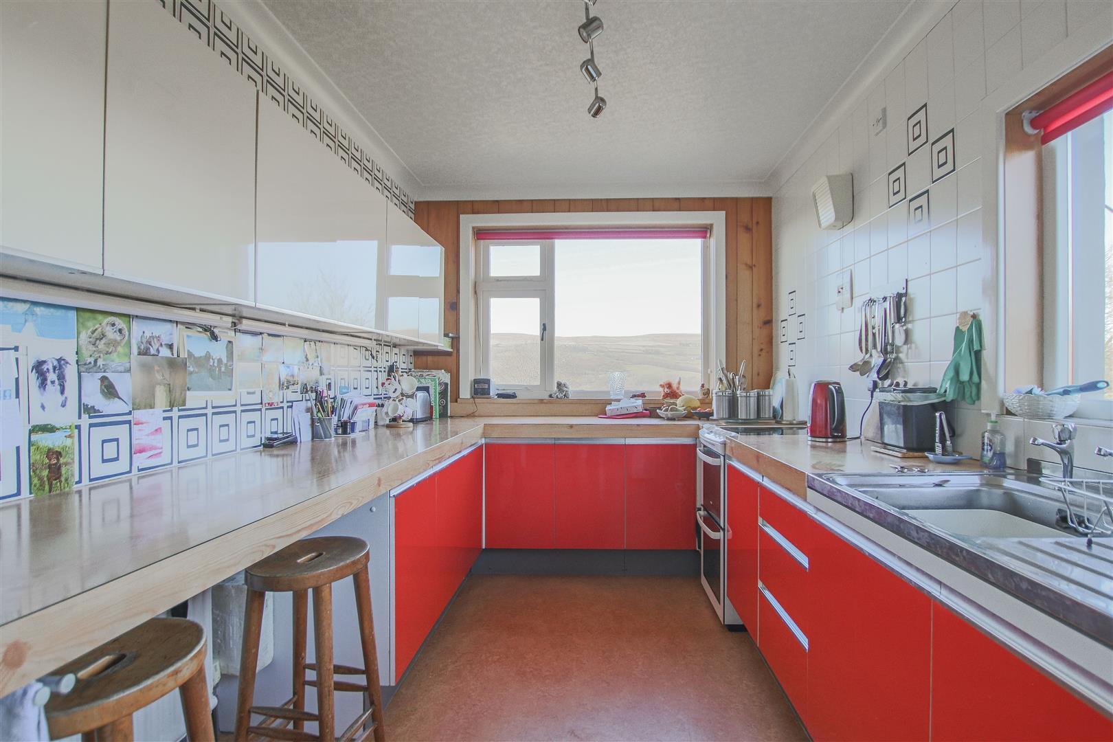 3 Bedroom End Terrace House For Sale - 5.JPG